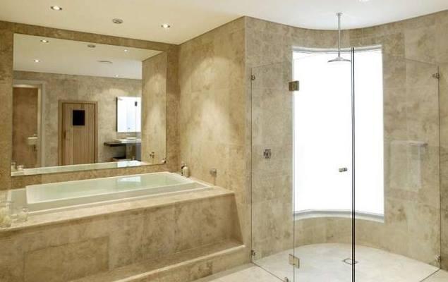 ванная комната с травертин